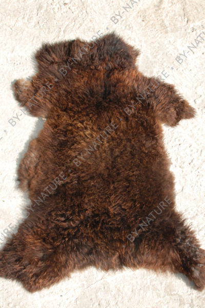Шкура овечья темно-коричневая